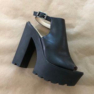 Shoes - Italian Peep Toe Pumps